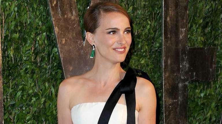 Natalie Portman arrives at the 2013 Vanity Fair
