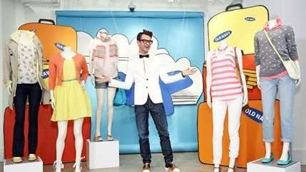Brad Goreski gives spring style tips with Old