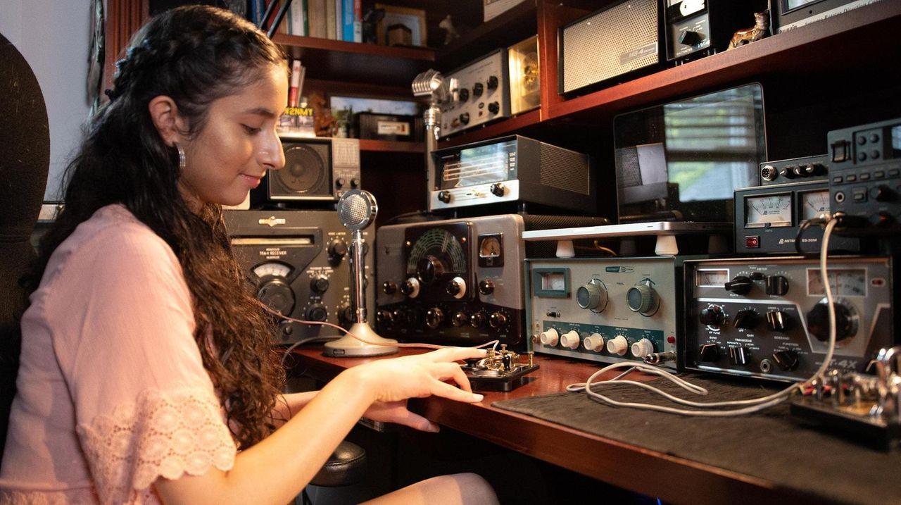 Long Island ham radio operators' group the CW