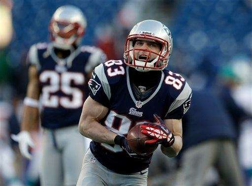New England Patriots wide receiver Wes Welker (83)