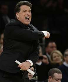 St. John's head coach Steve Lavin calls out
