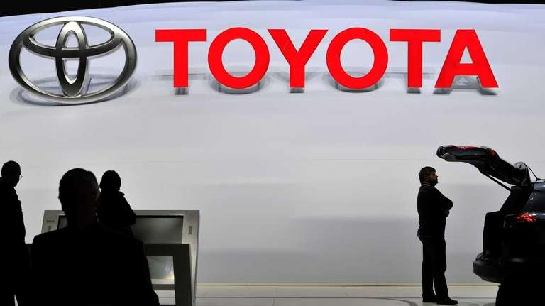 A visitor inspect a Toyota SUV during the