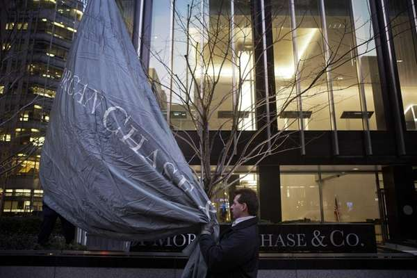 A Senate panel's probe says JPMorgan Chase and