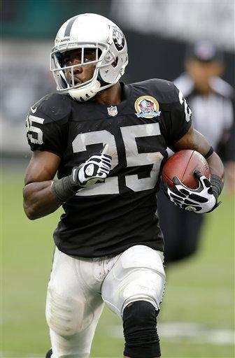Oakland Raiders running back Mike Goodson (25) rushes