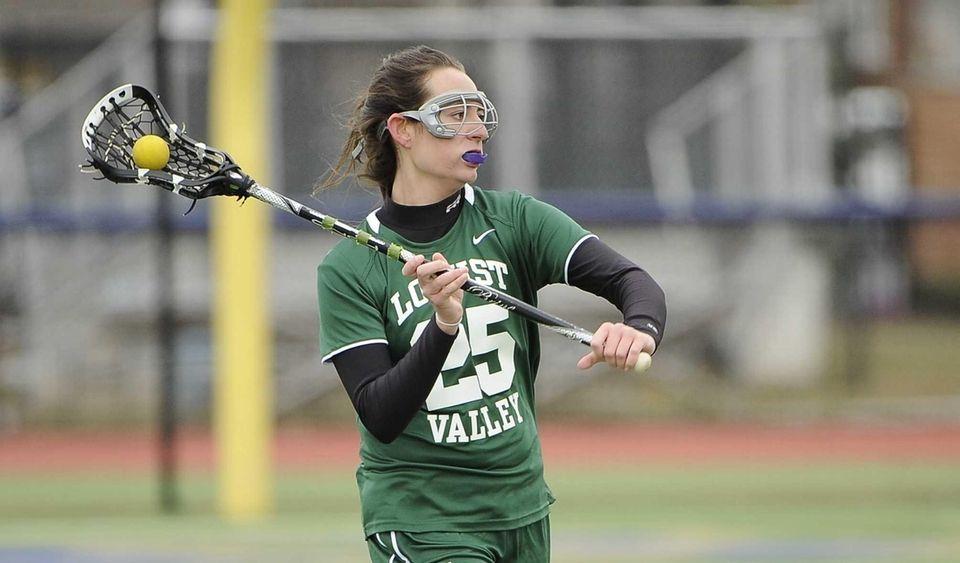 Locust Valley's Emily Schlicht looks to pass against