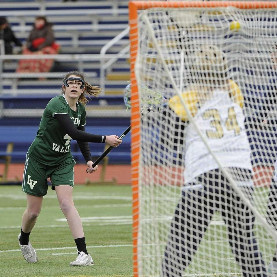 Locust Valley's Taylor Bleistein scores on her free-position