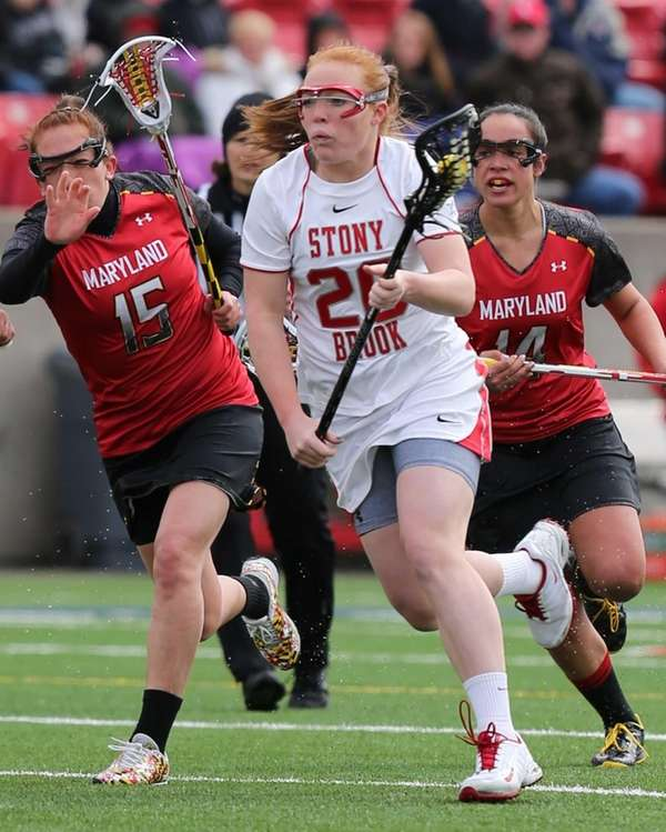 Stony Brook's Claire Petersen sprints past Maryland defenders