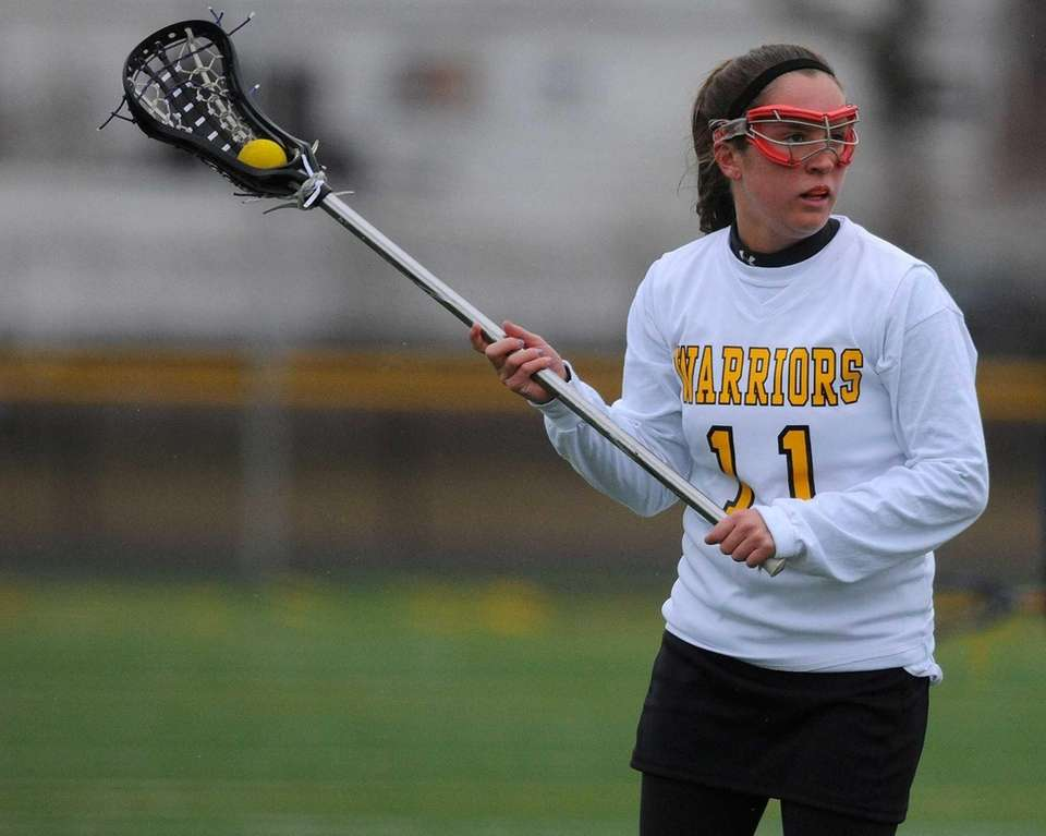 Wantagh senior Catie Ingrilli looks to make a