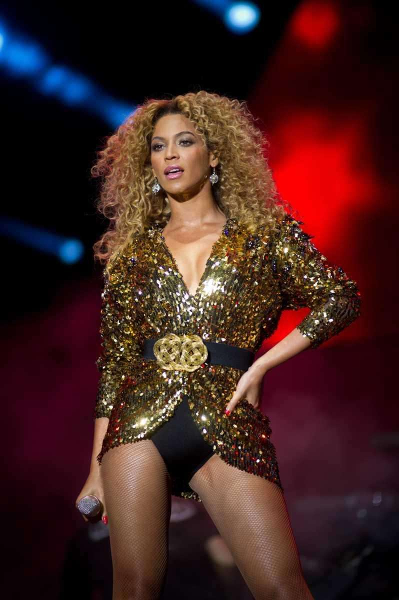Beyoncé performs live on the pyramid stage during