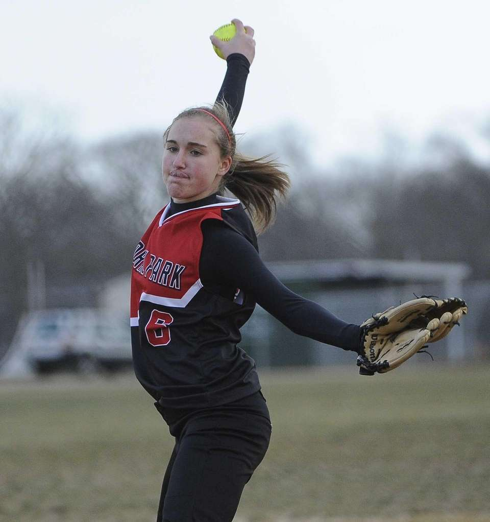 Floral Park pitcher Emma Schlechter delivers a pitch