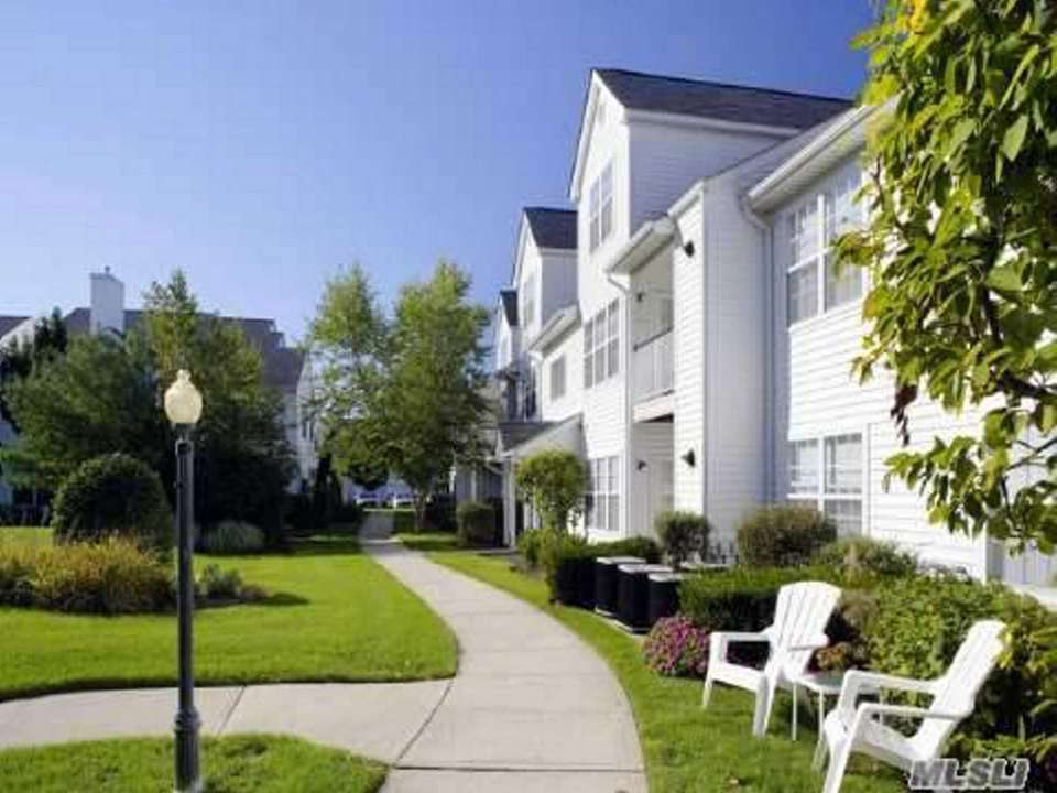 Community amenities include a heated in-ground pool, a