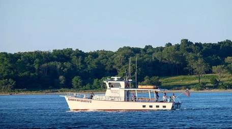 American Beauty Cruises & Charters offers sunset tours