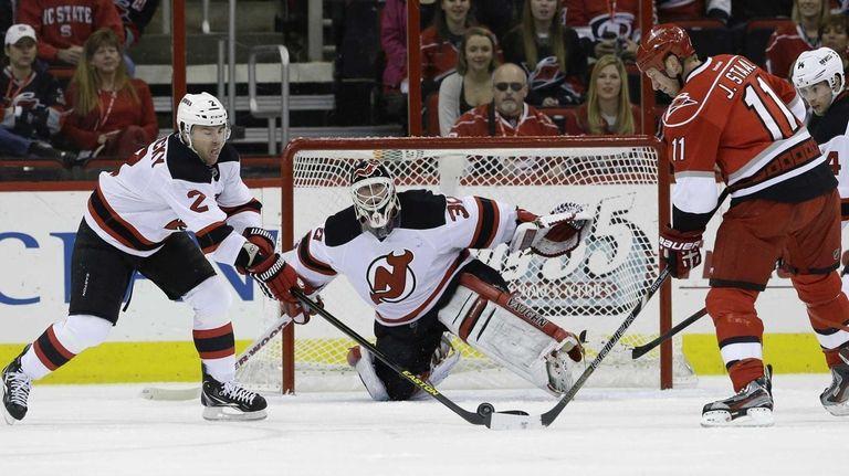 Martin Brodeur scores goal in return for New Jersey Devils