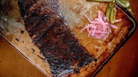 The spare ribs at Smōk-Haüs in Garden City