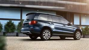 The 2013 Mercedes-Benz GL350 BlueTEC's bulk is well