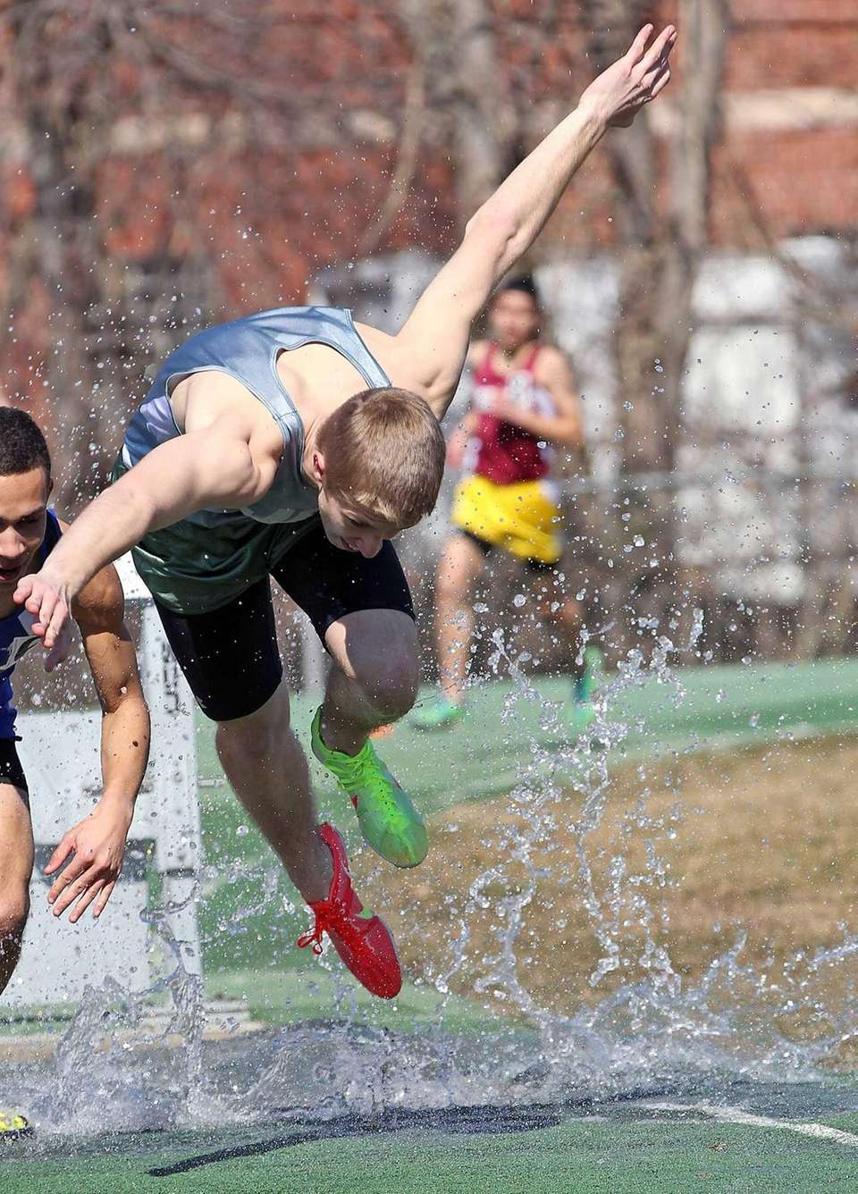 Bellmore JFK's John Mahon manages to stay on