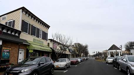 Amityville officials are proposing a three-hour time limit