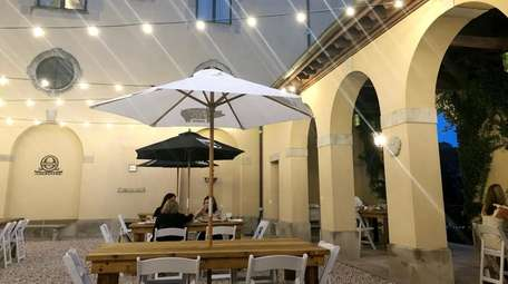 Otto's Courtyard, a new casual restaurant at Oheka