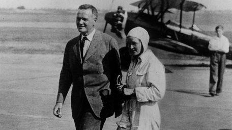 Alicia Patterson with her father, Joseph Medill Patterson,