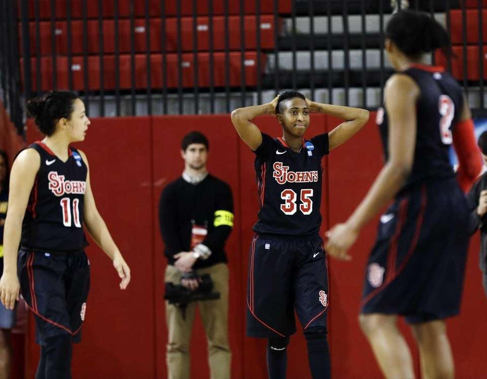 St. John's Shenneika Smith (35) reacts during the