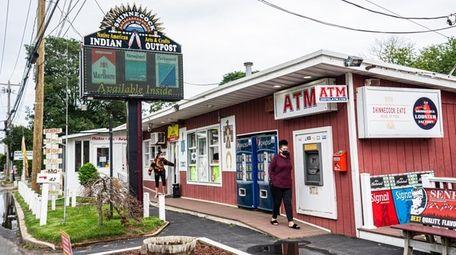 Food and tribal smoke shops outside the Shinnecock
