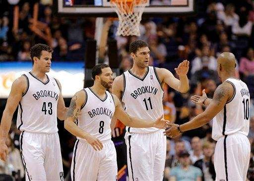 Kris Humphries (43), Deron Williams (8), Brook Lopez