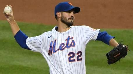 Mets starting pitcher Rick Porcello delivers against the