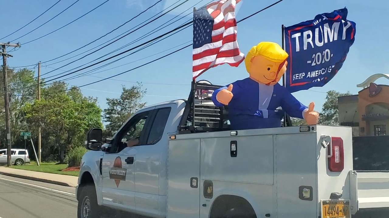 A car parade in support of President Trump