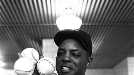 WILLIE MAYS 1955, New York Giants: 51 home