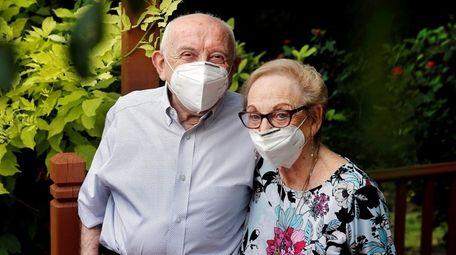 Holocaust survivor Max Glauben and his wife, Frieda,