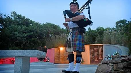 A piper from the Nassau County Emerald Society