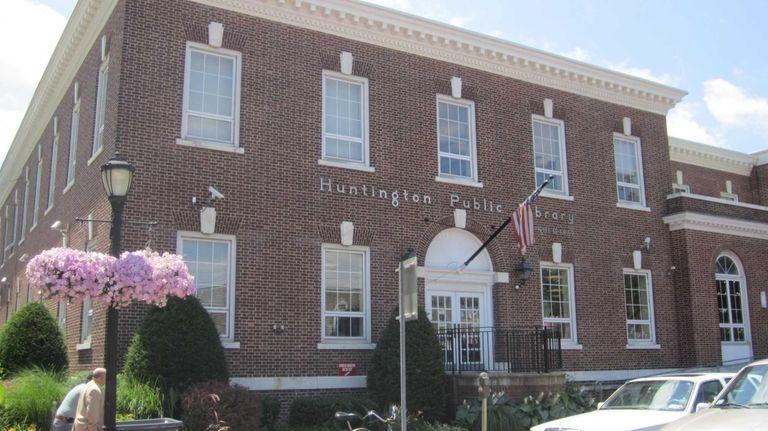 Huntington Public Library (June 29, 2011)