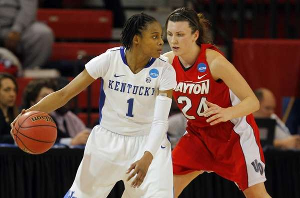 A'dia Mathies of the Kentucky Wildcats controls the