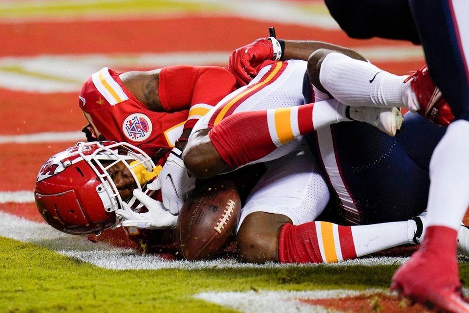 Kansas City Chiefs wide receiver Demarcus Robinson loses
