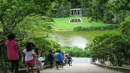 Take a family stroll through Old Westbury Gardens