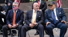 From left, Rep. Peter King, former NYPD commissioner