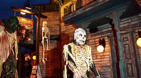 The Bloodworth Haunted Mansion and the other scary