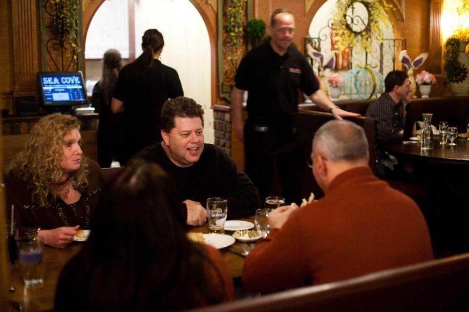 Sea Cove Italian American Bar & Grill features