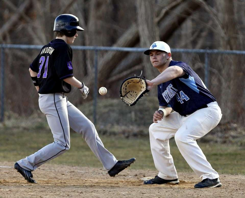 Sayville's Tyler Anderson hurries back to first to