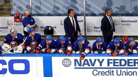 The Islanders react to their late game deficit