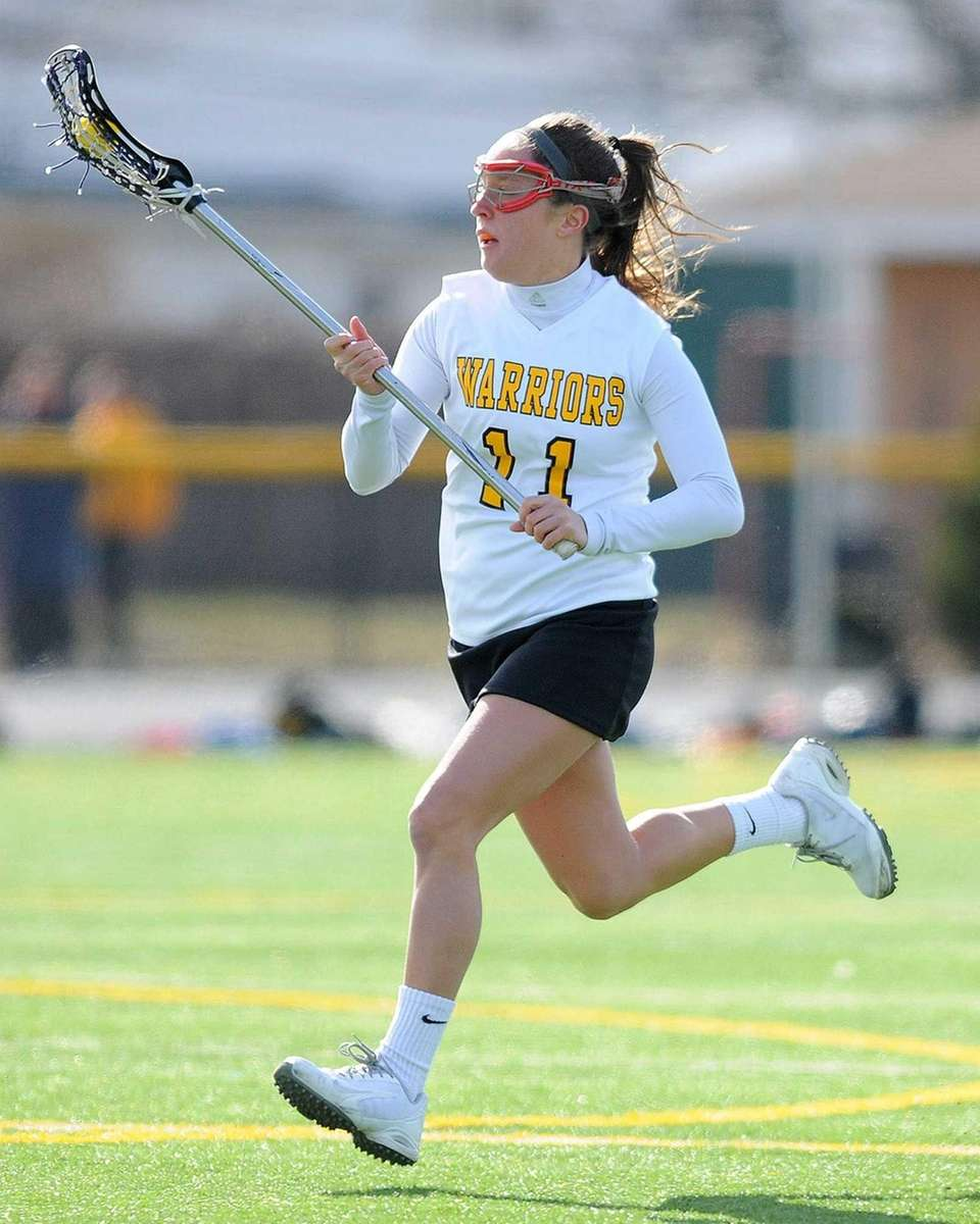 Wantagh's Catie Ingrilli races downfield during the first