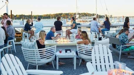 Outdoor dining at Cooper Bluff in Oyster Bay.