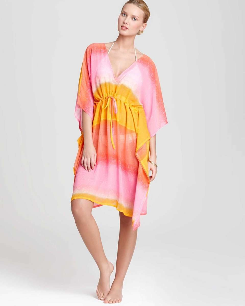You'll be beach-ready in this polyester dress by