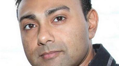 Vikram Rajan, co-founder of Kings Park-based phoneBlogger.net, a
