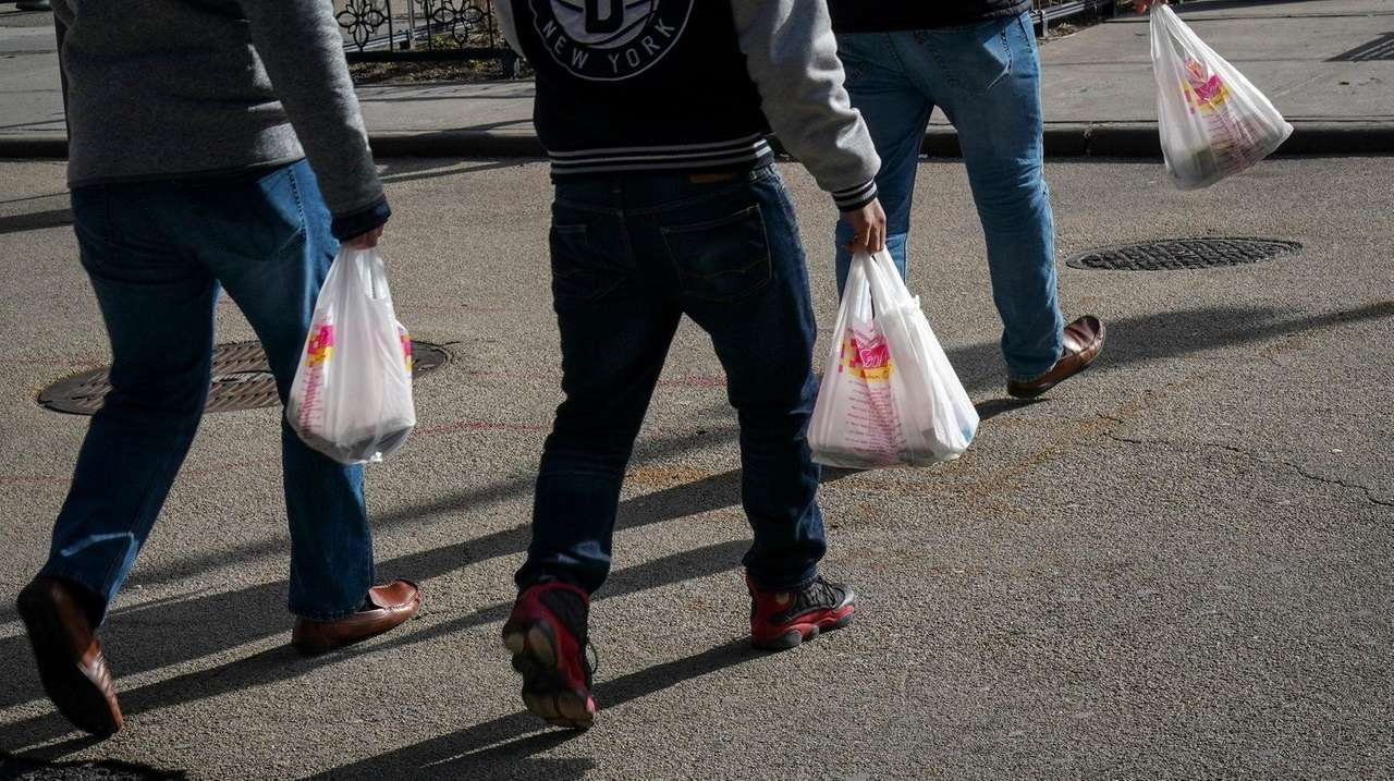 NY to enforce plastic bag ban starting Oct. 19