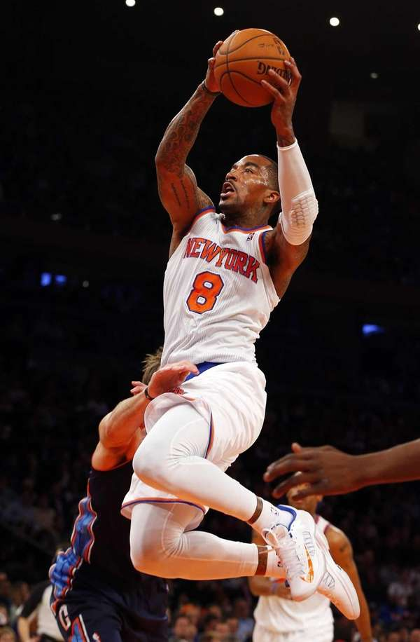 J.R. Smith of the Knicks goes to the