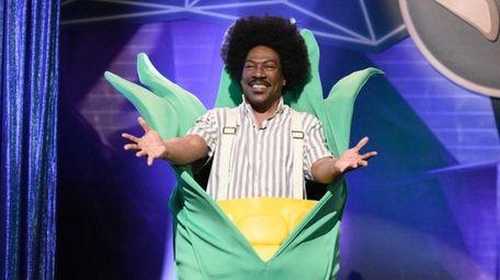 "Host Eddie Murphy plays classic ""Saturday Night Live"""