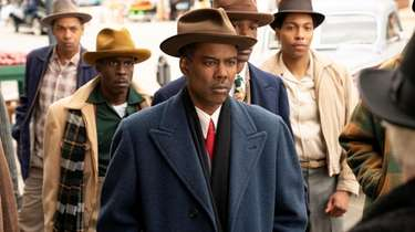 Chris Rock stars as Loy Cannon in the