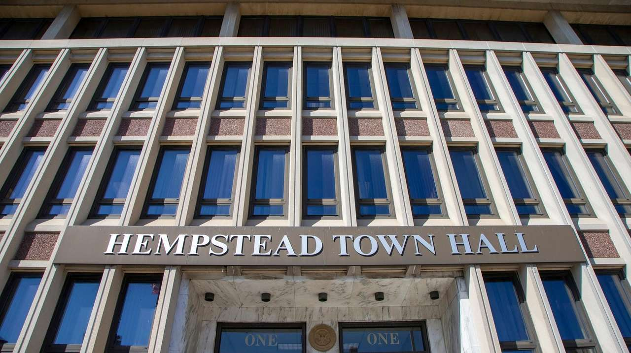 Hempstead reassigns town building commissioner