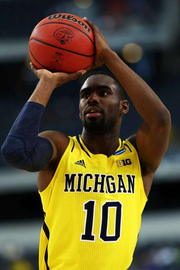 Tim Hardaway Jr. of the Michigan Wolverines shoots